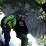 Segui le regole dell'escursionista rispettoso dando la precedenza e salutando tutti