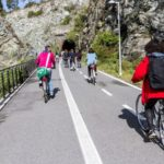 In bicicletta tutto l'anno: su due ruote quattro stagioni l'anno grazie al clima mite della Liguria