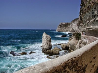 Dal deserto alle montagne, dal canyon al mare, questa è la Corsica