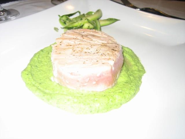 Filetto di Tonno su Crema di Zucchine