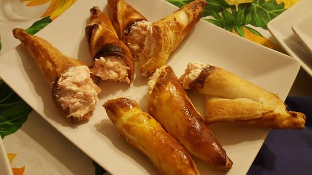 cornetti-pasta-sfoglia-crema-salmone-robiola
