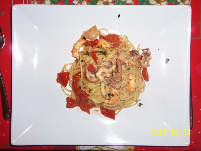 Spaghetti pomodorini, scampetti e seppie