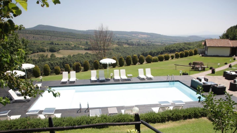 resort-borgo-san-faustino
